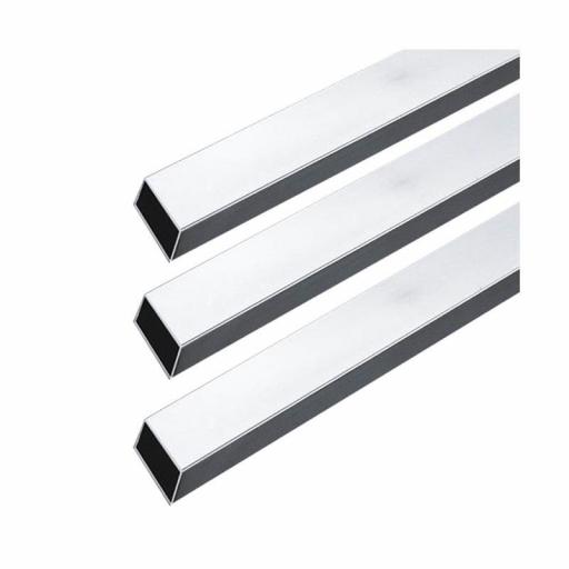 Barra tubo rectangular cromada, largo 300 cm