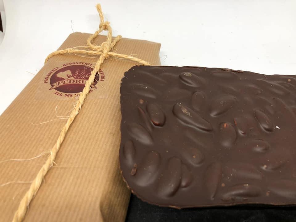 Chocolate Puro con Almendras (Tableta)