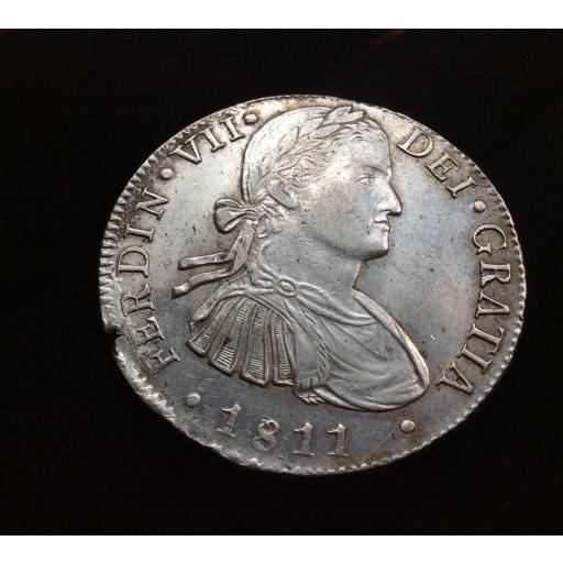 EXCELENTES 8 REALES 1811 - FERNANDO VII - BUSTO IMAGINARIO
