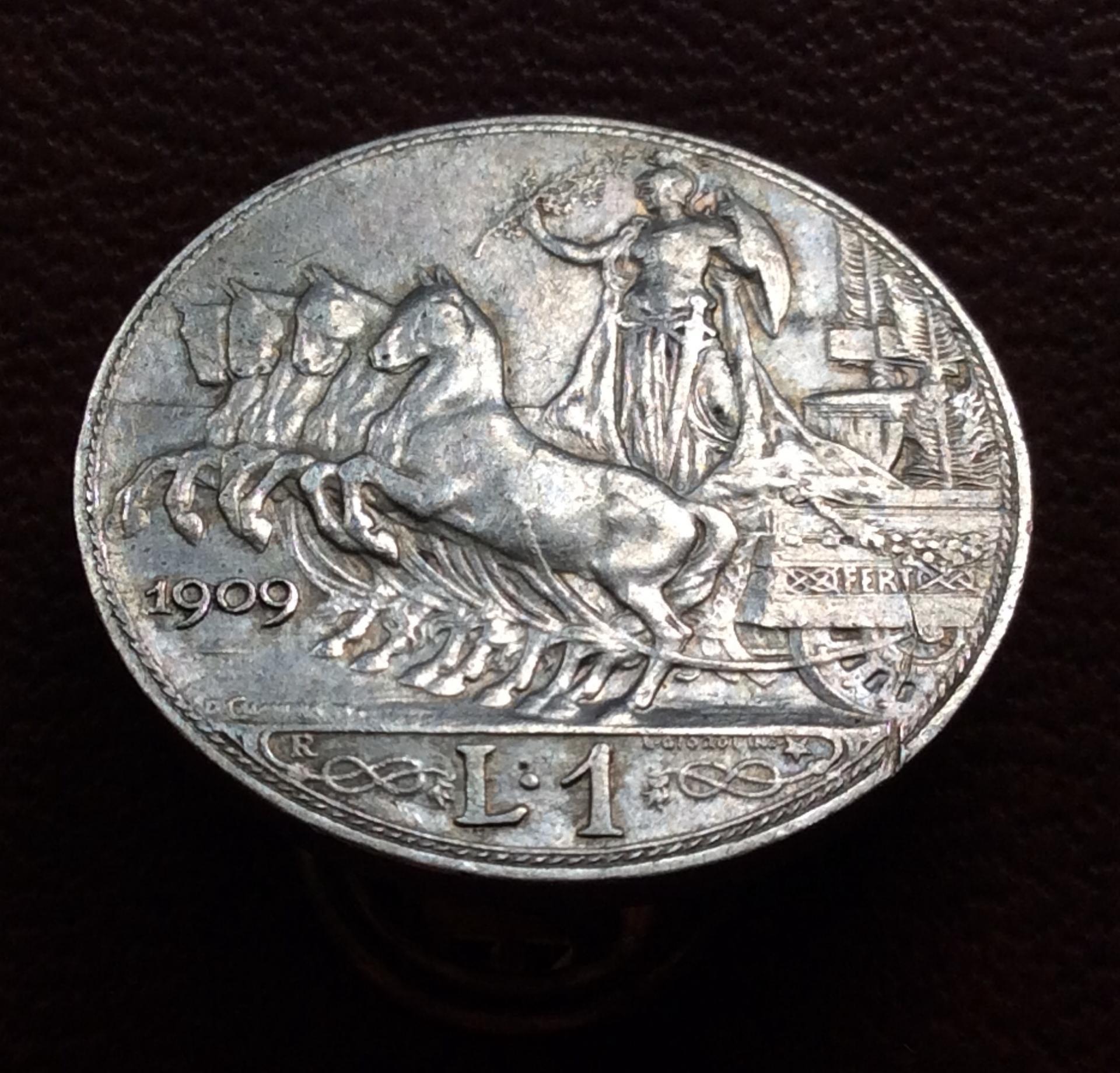 1 LIRA DE PLATA DE 1909 - VITORIO EMANUELE III - REY DE ITALIA