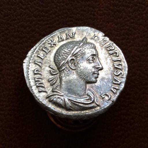 DENARIO DE PLATA DEL EMPERADOR SÉPTIMO SEVERO - ROMA 131 d.c.