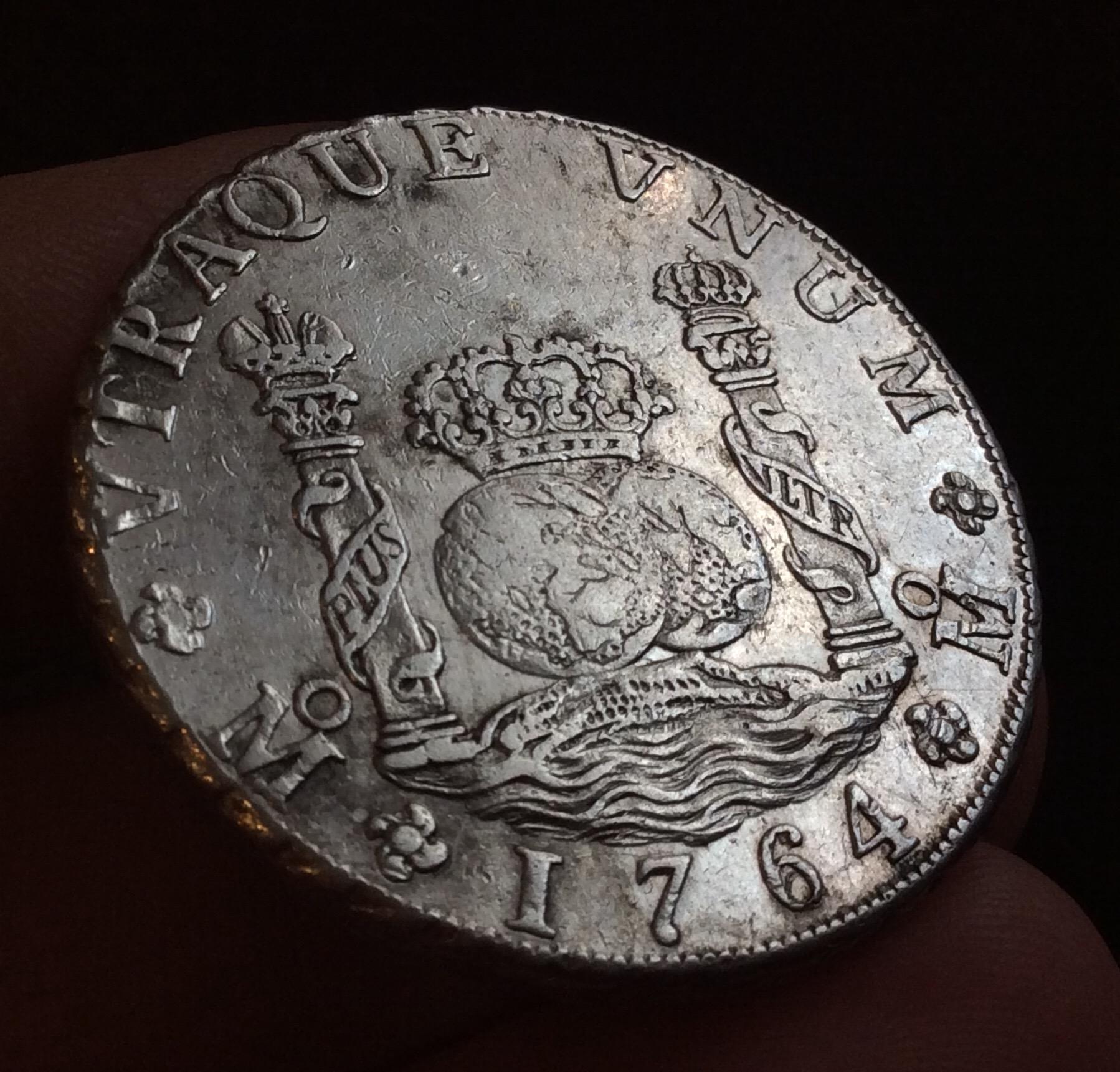 ESPECTACULAR COLUMNARIO DE 8 REALES DE 1764 - CARLOS III - MÉXICO