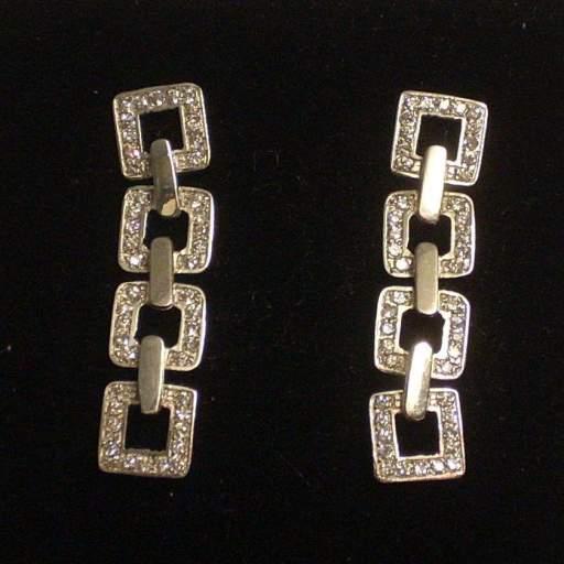 Pendientes Oro Blanco 18 Quilates y Circonitas con Precioso Diseño.