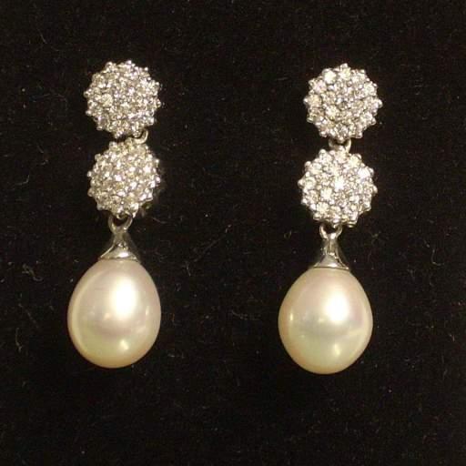 Pendientes oro blanco y circonitas con perlas cultivadas ideal novias.