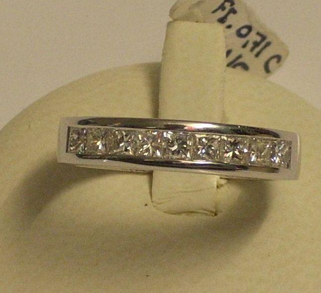 Liquidacion  Sortija de pedida en oro blanco y diamantes talla princesa Máxima calidad