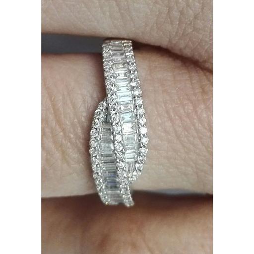 Sortija Oro Blanco y Diamantes Talla Brillante Y Baguette  [2]