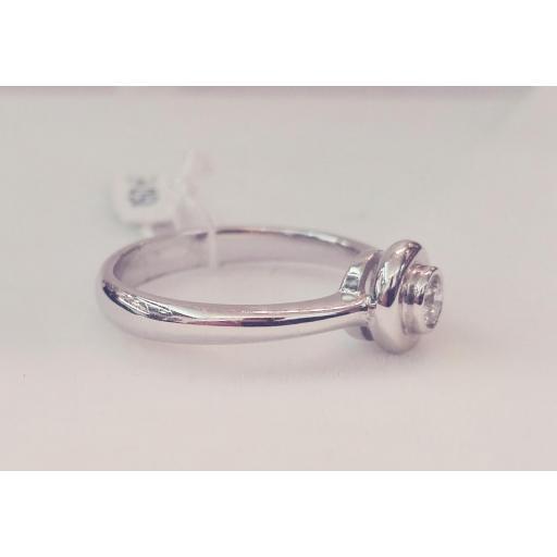 Anillo Solitario Para Pedida De Diamantes Talla Brillante Montado En Oro Blanco [2]
