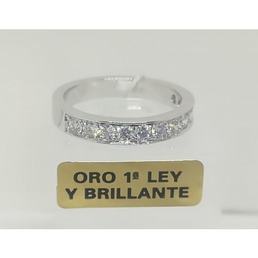 Anillo Con Diamantes En Oro Blanco 18 Quilates