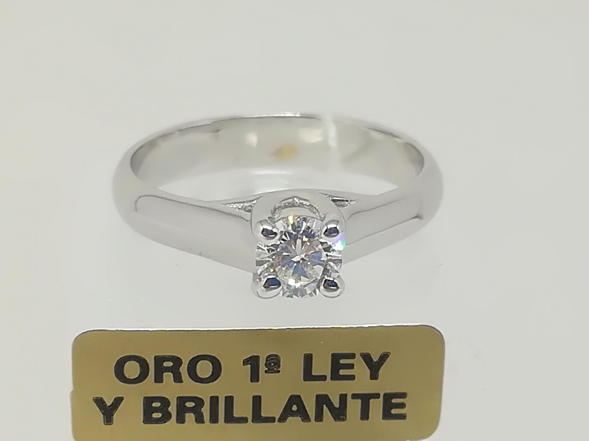 Anillo Solitario Diamante Oro 18 Quilates