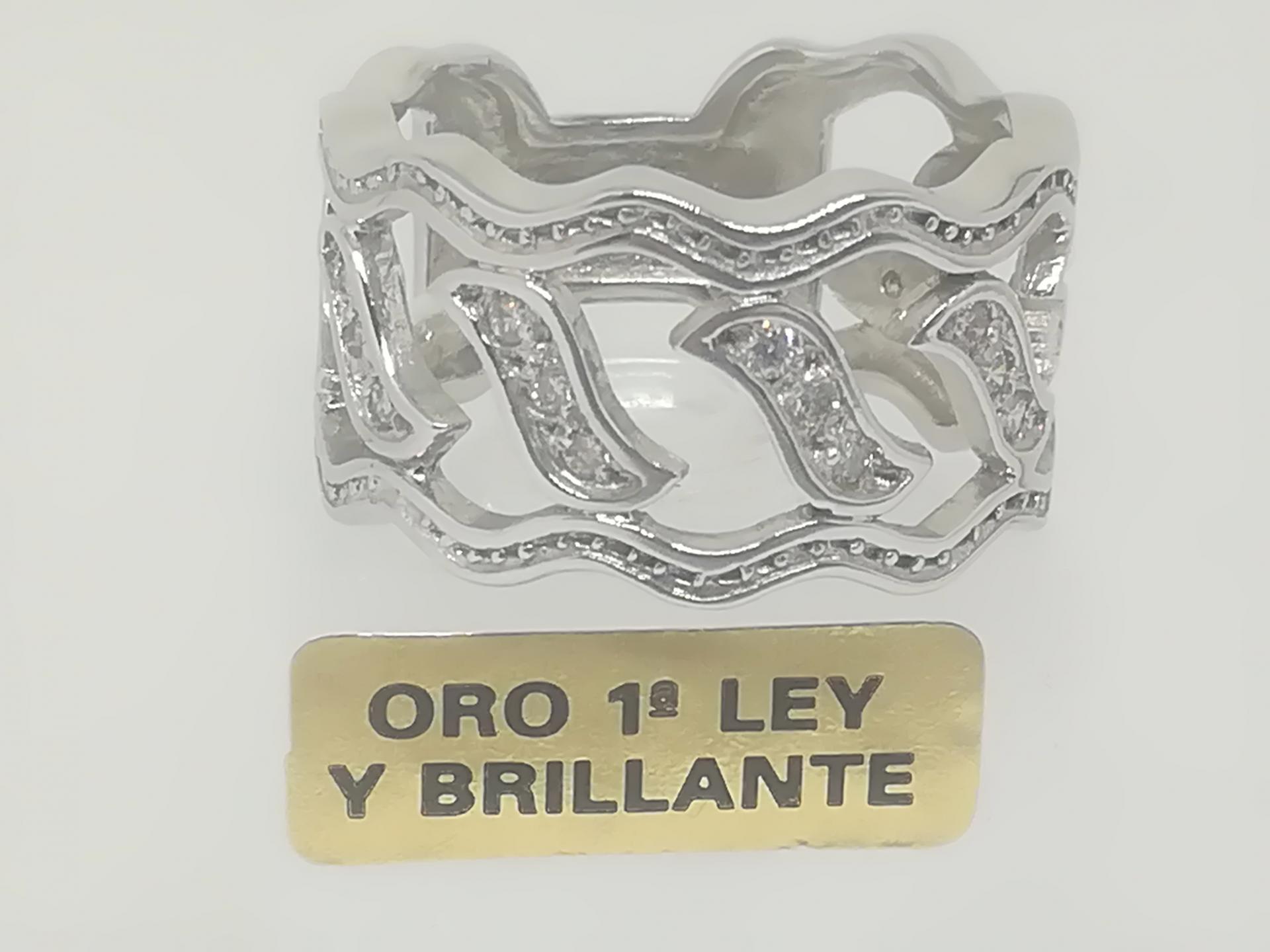 Anillo De Diamantes Precio 15% Descuento Fabricada En Oro Blanco