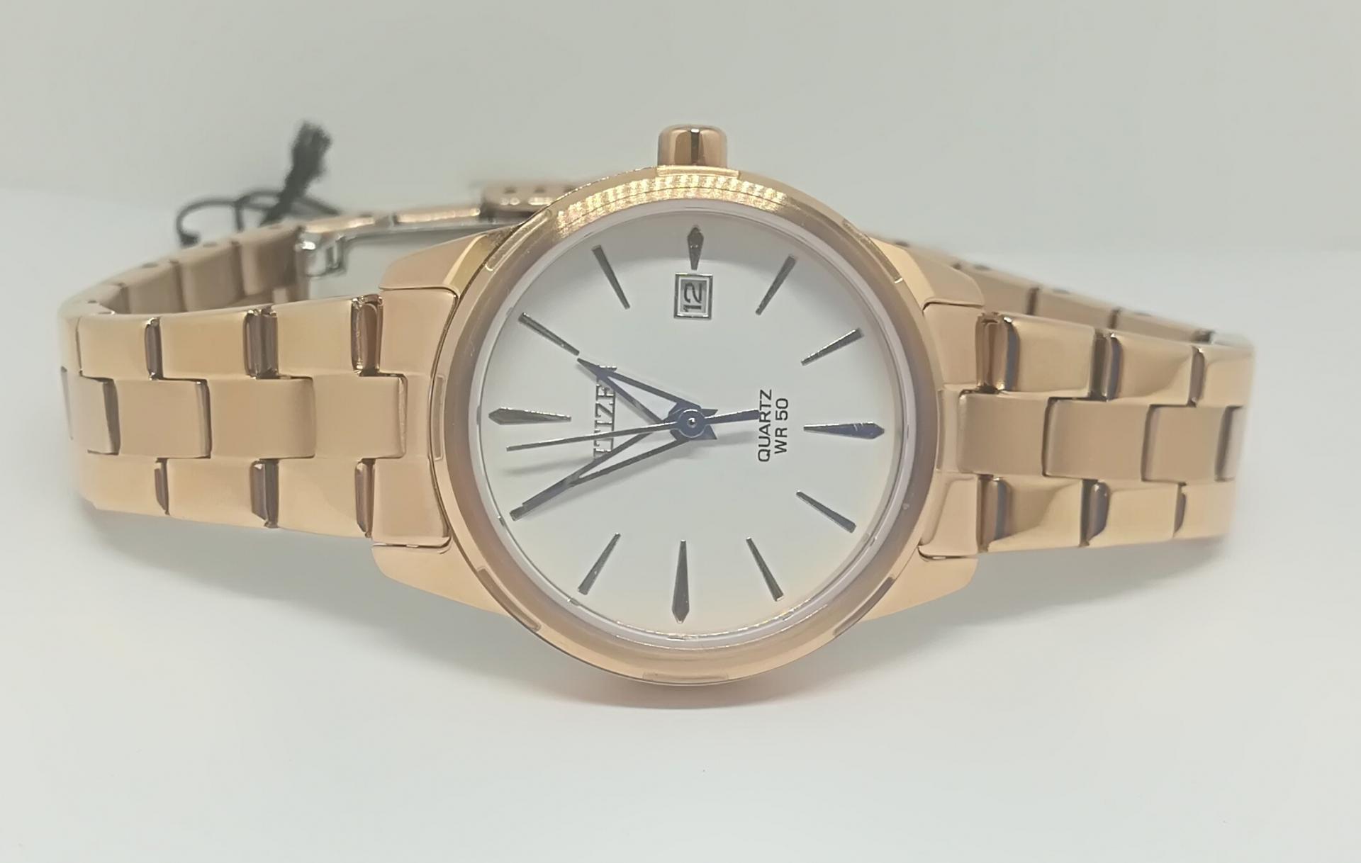 Reloj Citizen De Mujer Bañado En Oro EU6073-53A