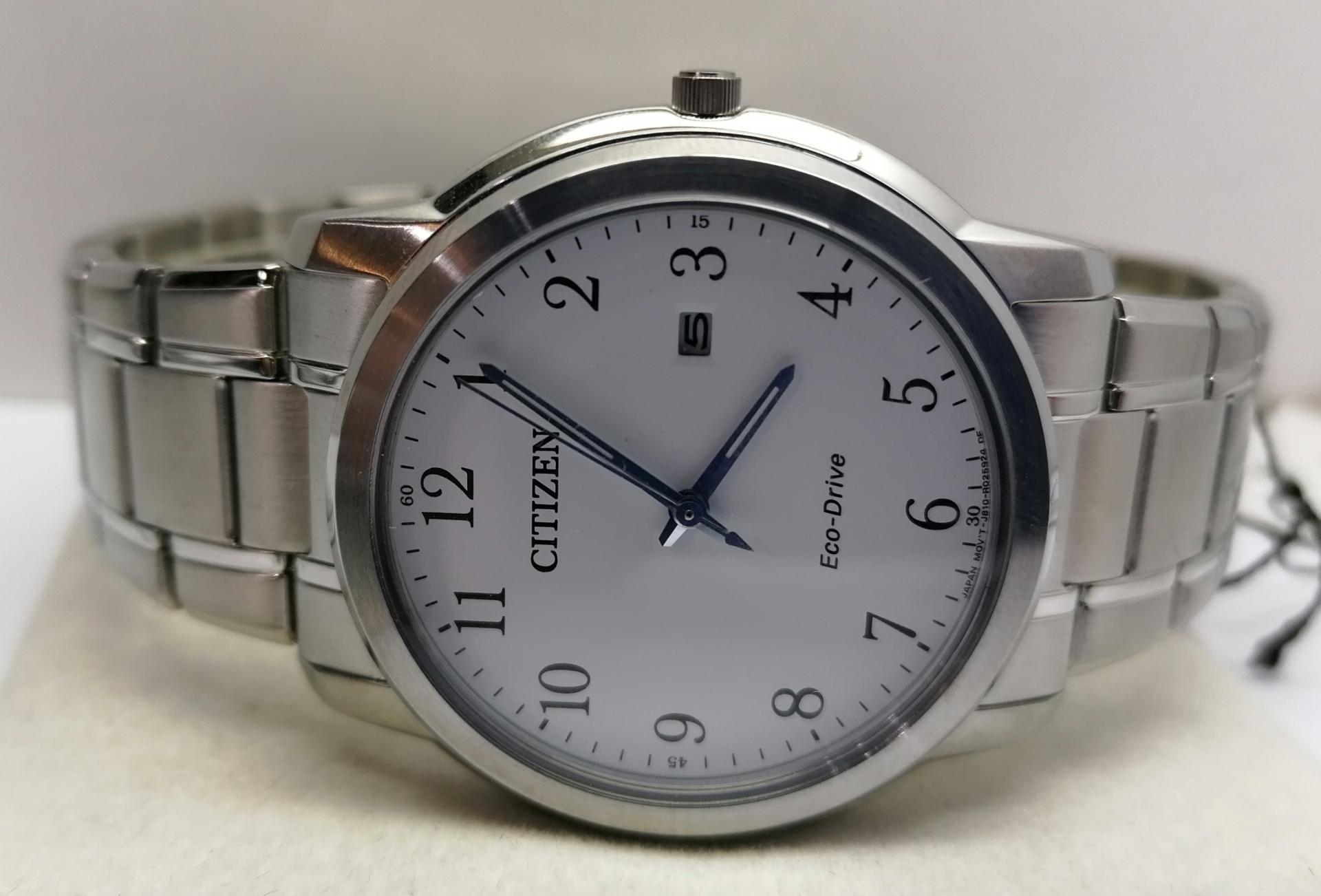 Reloj Citizen Clasico AW1211-80A Con Movimiento Eco Drive