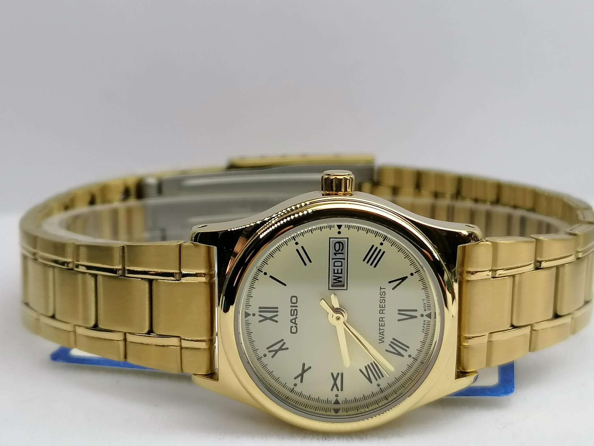 Reloj Casio Mujer Dorado Esfera Blanca LTP-V006G-9BUDF