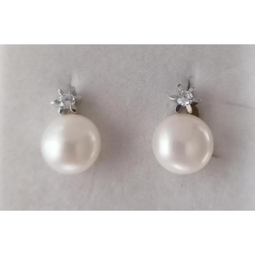 Pendientes Oro Blanco Perlas Boton Con Circonitas Y Cierres Omega [0]