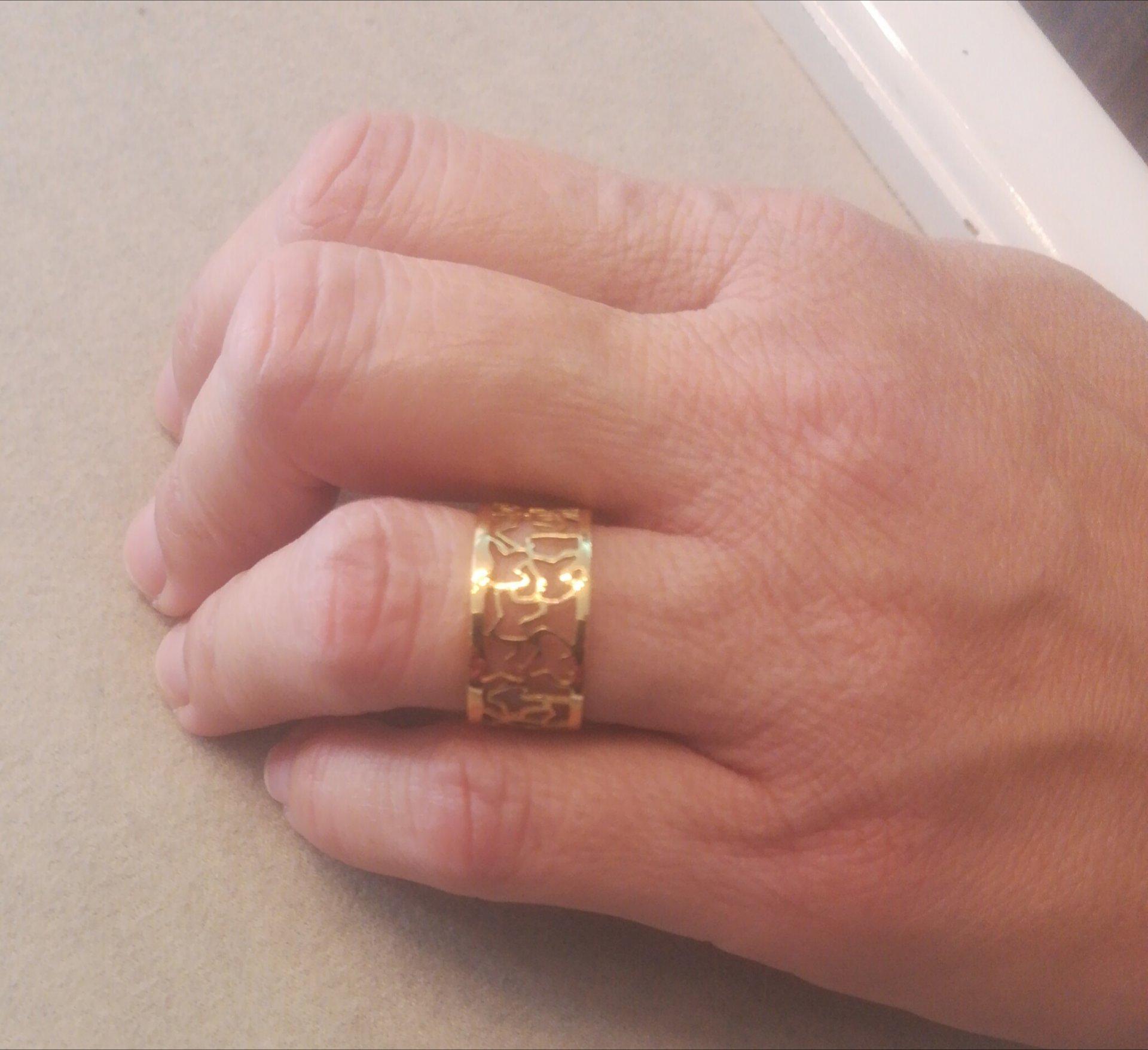 anillo calado ancho oro amarillo