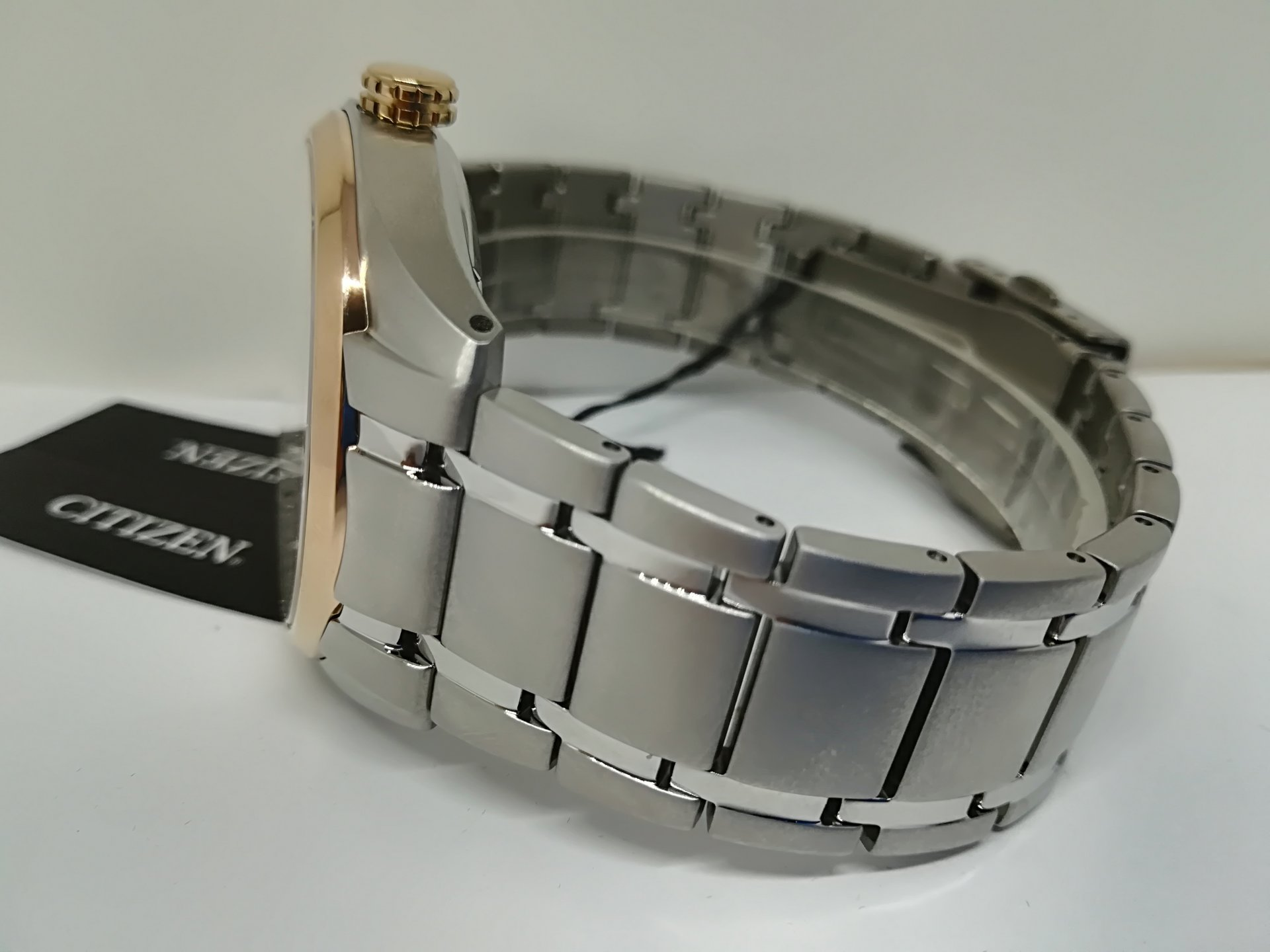 Super Titanium 5 veces más resistente que el titanio y más ligero que el titanio