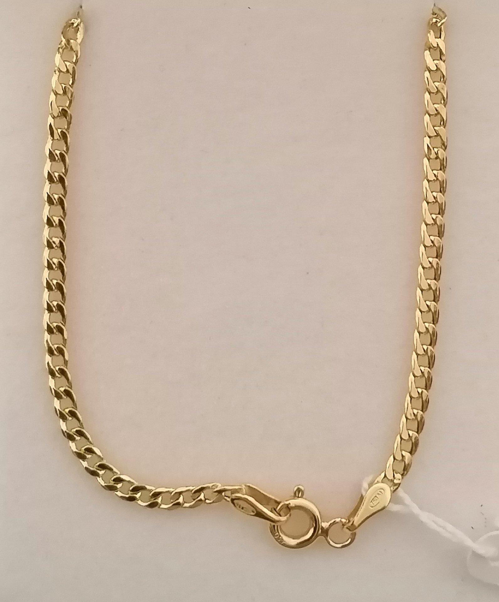 cadena de oro barbada con broche de reasa y contraste del fabricante