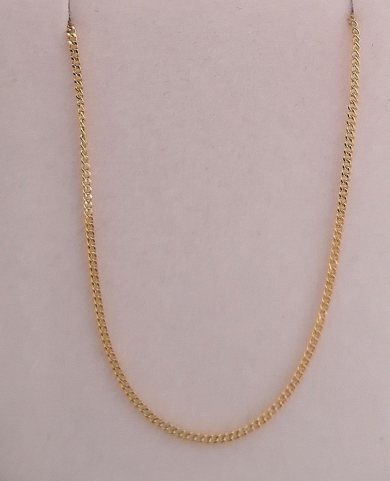foto de gargantilla de oro delgada en 45 cm