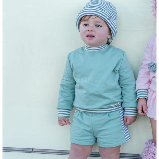 Conjunto bebé verde combinado con rayas