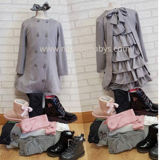 Vestido infantil gris con volantes