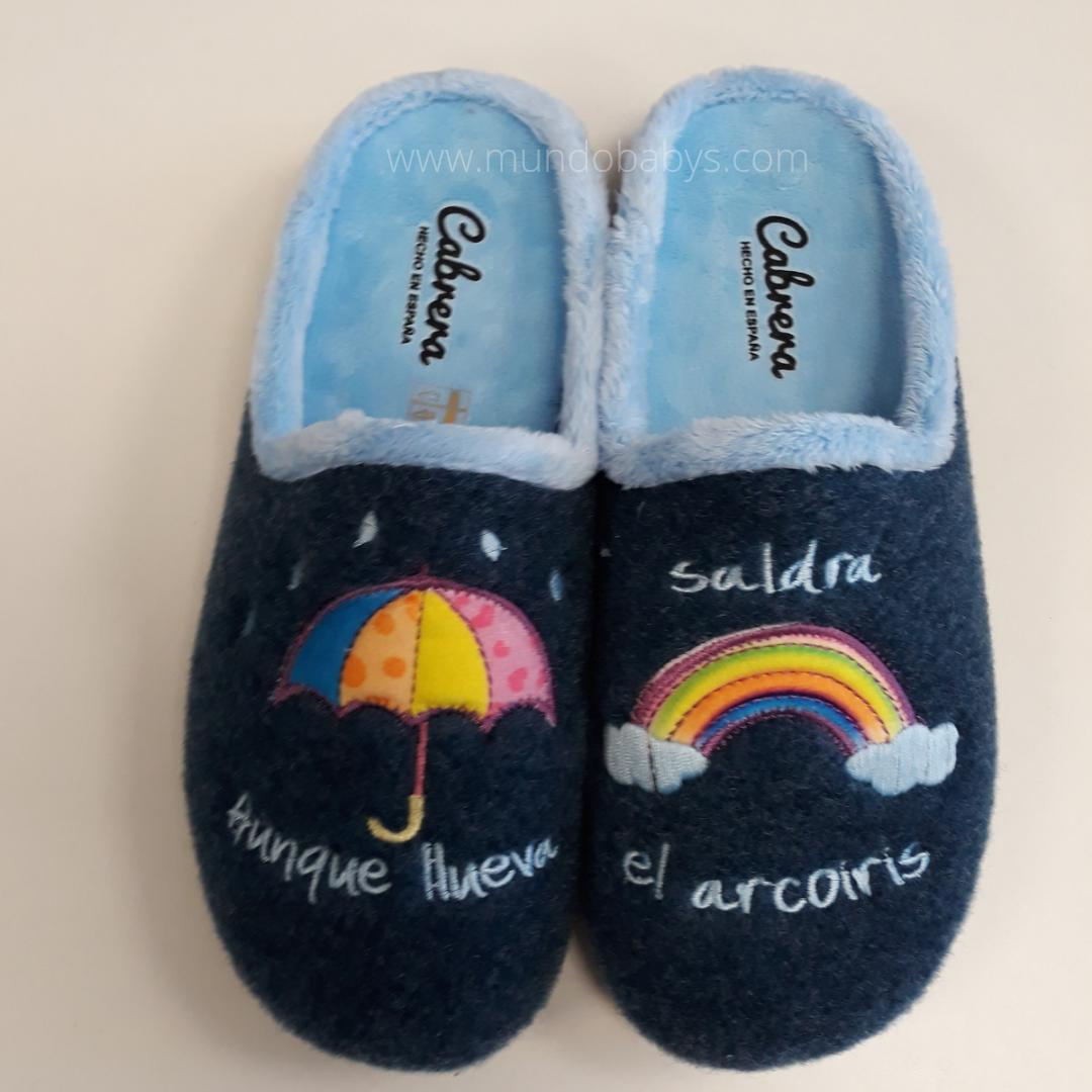 Zapatillas abiertas, aunque llueva saldrá el arcoiris