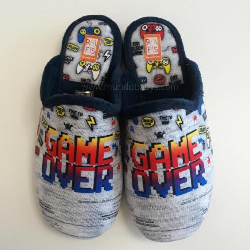 Zapatillas chico abiertas, game over