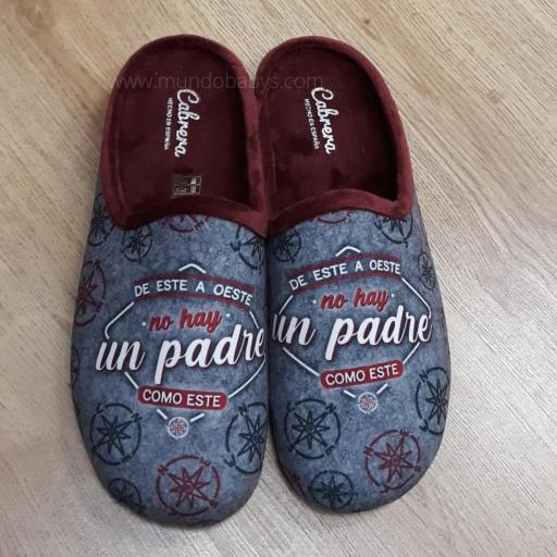 Zapatillas con frases, de este a oeste no hay un padre como este