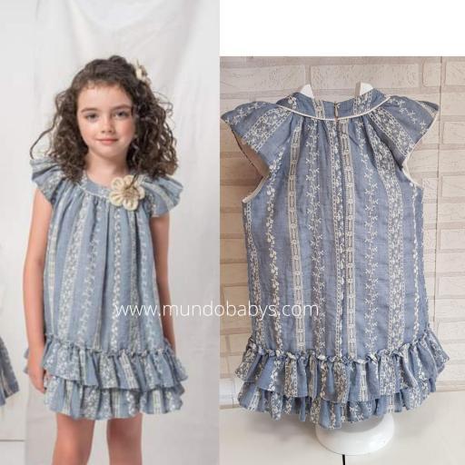 Vestido bordado en azul [2]