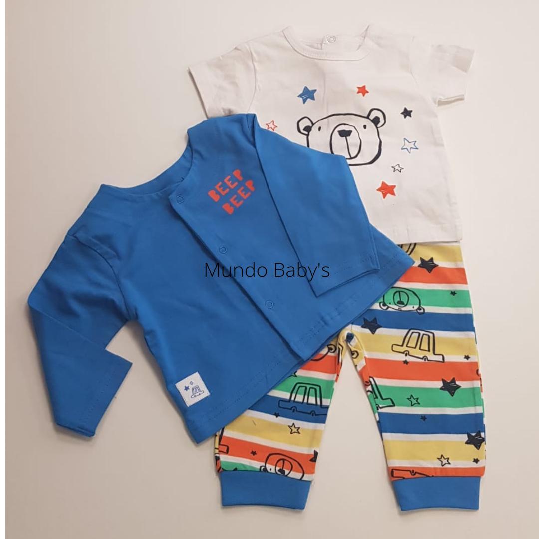 Chaqueta azulón con camiseta y pantalón de rayas