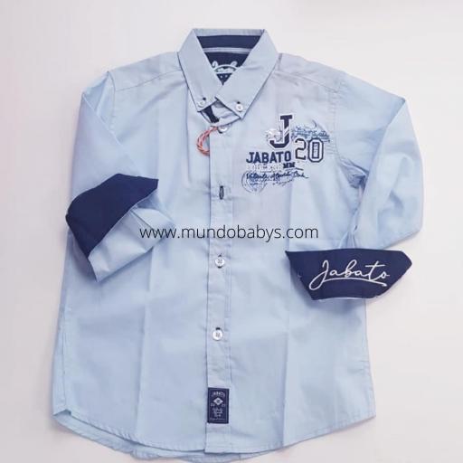 Camisa manga larga azul con bordados