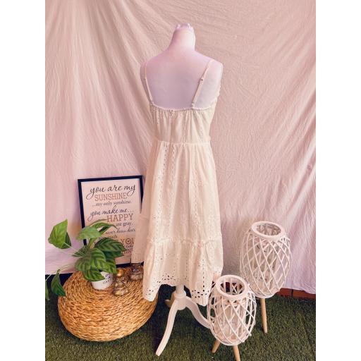 Vestido blanco Troquelado [1]
