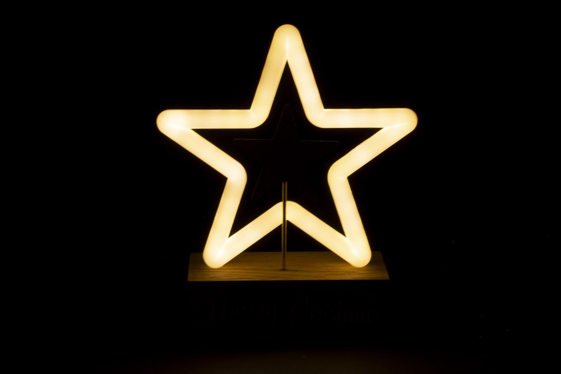 DECORACION LUMINOSA LED ESTRELLA 15,5X6X18 (ITEM INTERNATIONAL)