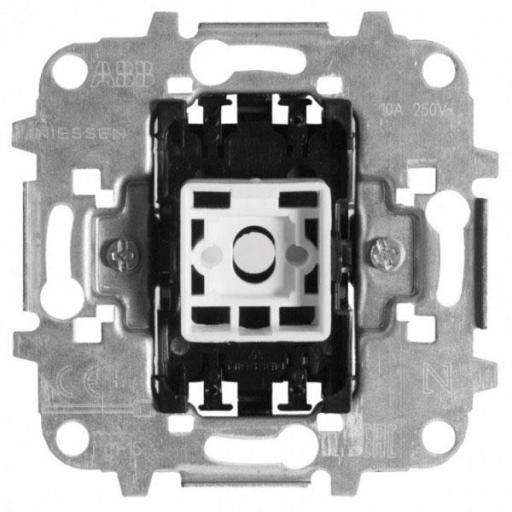 Interruptor ancho 10 A 8101