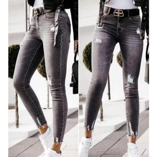Jeans Negros Rasgados de 40 a 46