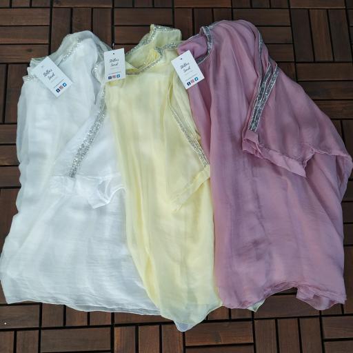 Blusa Seda Pedrería en Blanco [3]