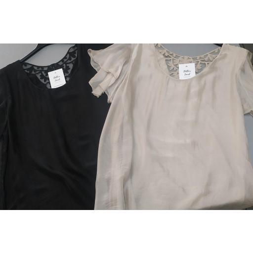 Blusa de Seda en Beige [3]