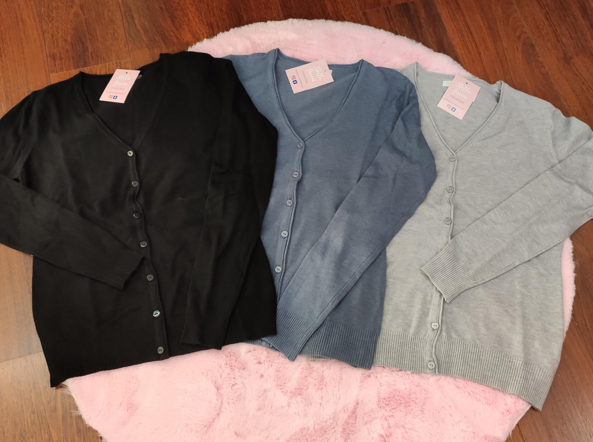 Rebeca Basic en Negro, Gris y Azul en S/M y L/XL