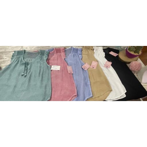Blusa Museta Calada en Verde, Rosa, Azul, Beige, Blanco y Negro