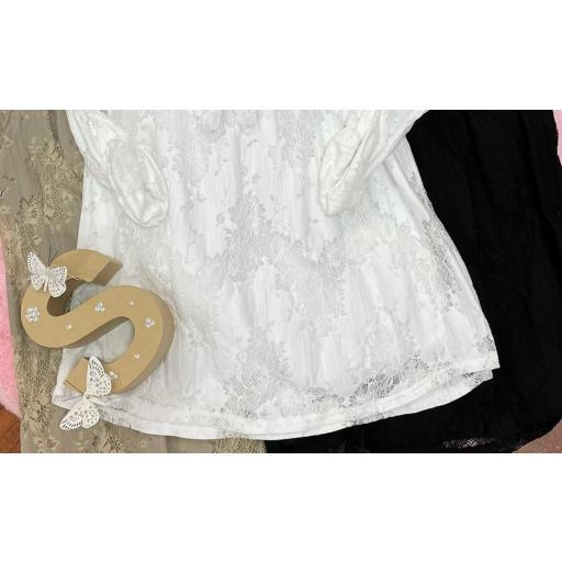 Blusa Encaje en Blanco y Negro [1]