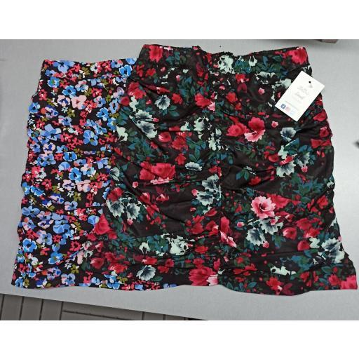 Falda Flores en Rojo Talla M [1]