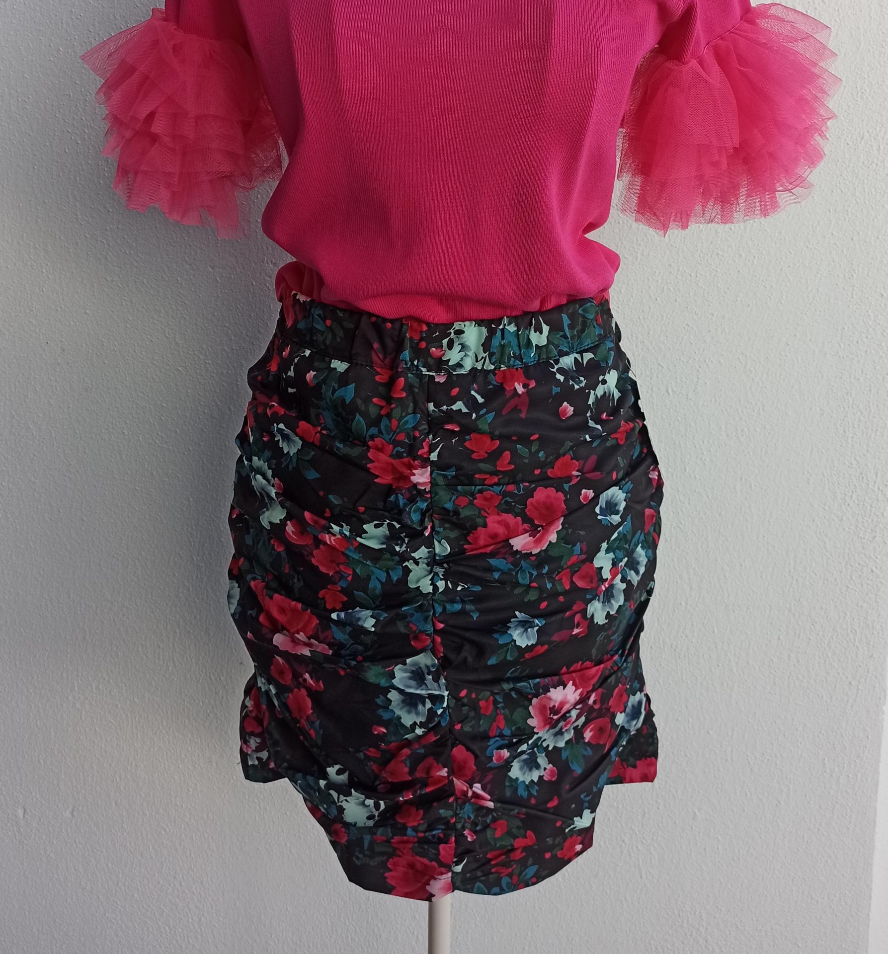 Falda Flores en Rojo Talla M