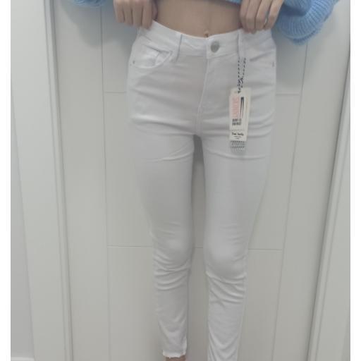 Jeans White Talla 36, 38 y 40 [1]