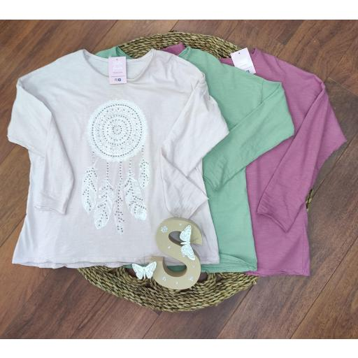 Camiseta Atrapasueños en Frambuesa, Verde y Rosa