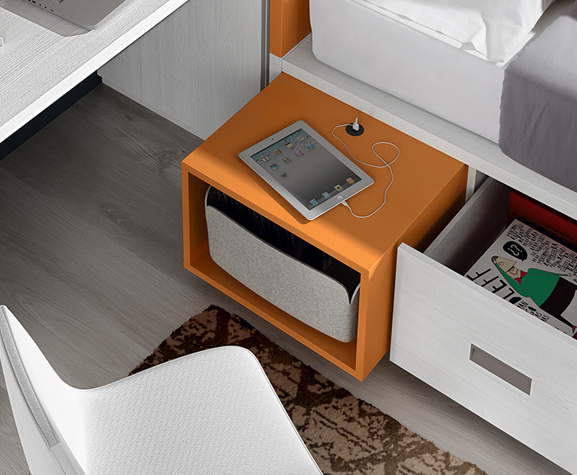 Mueble con conector de cargador USB