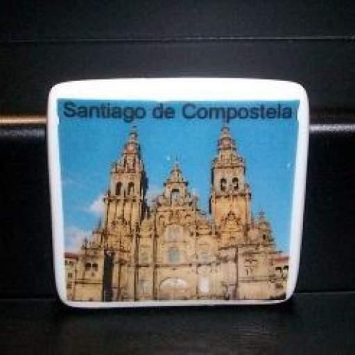 IMÁN DE PORCELANA SANTIAGO DE COMPOSTELA  RF. 0221