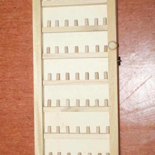 VITRINA 70x20 cm.  con puerta de cristal, capacidad 70 dedales RF. 05645