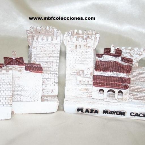 MAQUETA PLAZA CÁCERES RF. 01045