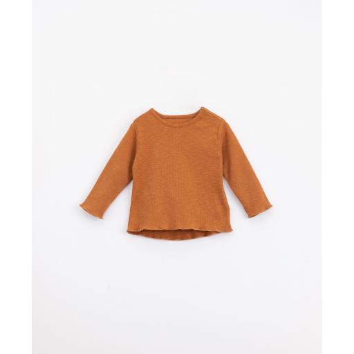 Camiseta de algodón orgánico con abertura en el hombro | Illustration