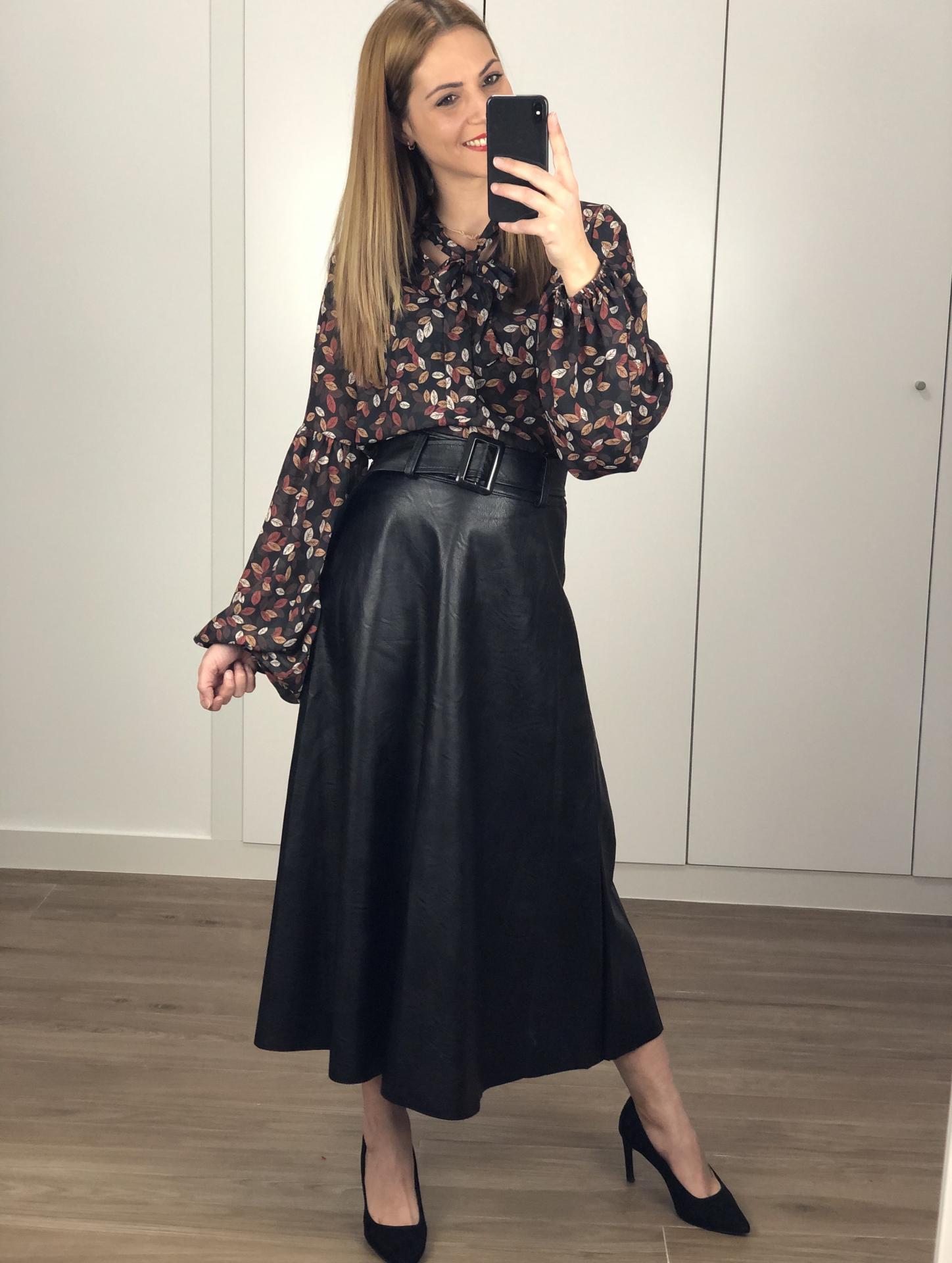 Falda larga polipiel