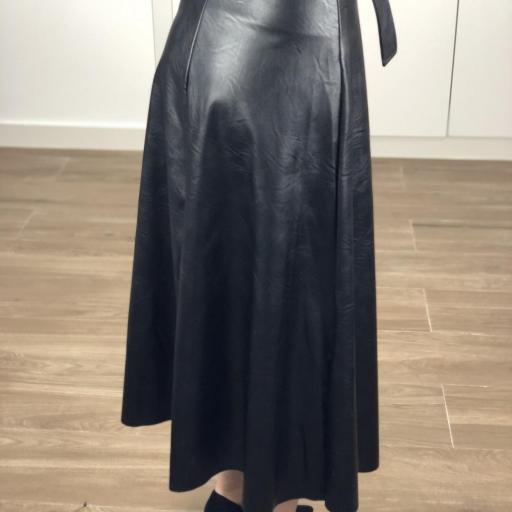 Falda larga polipiel [1]